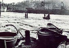 İstinye taraflarında deniz üstünde yürüme keyfi (1954) #istanbul #istinye #istanlook