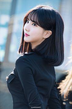 Daily Eunha Found here Kpop Girl Groups, Korean Girl Groups, Kpop Girls, Japanese Beauty, Asian Beauty, Oppa Gangnam Style, Asian Short Hair, G Friend, Girl Bands