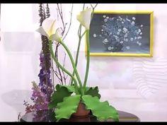 @juangangel Las flores artificiales están hechas de papel o tela, aunque en la actualidad es más común que se fabriquen en tela por ser de mayor durabilidad....