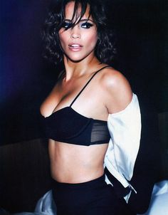 Gorgeous ! Paula Patton.                                                       …