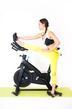 Whatever you require to understand about an indoor cycling workout from the experts at. Cycling Tips, Cycling Workout, Bike Workouts, Swimming Workouts, Swimming Tips, Road Cycling, Cycling Quotes, Travel Workout, Triceps Workout