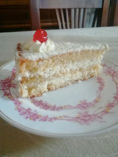 Cream Cake, Vanilla Cake, Desserts, Food, Cakes, Custard Cake, Tailgate Desserts, Cream Pie, Deserts