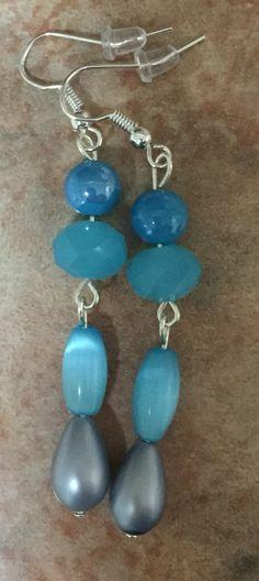Aretes de cristal, perlas y piedras (celeste)