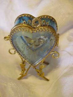 beautiful antique French heart box,,,something you might see at the marche aux puces around paris