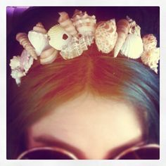 #seashell #DIY #headband all you need is: Hot glue gun, Sea shells, Headband, this would be cute for holloween mermaid
