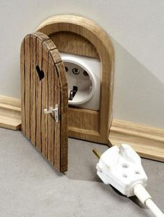 Mouse hole or fairy door outlet cover- soooo cute! Mouse Hole, Diy Casa, Deco Originale, Outlet Covers, Home And Deco, My Room, Diy Home Decor, Diy Room Decor For Girls, Home Decoration