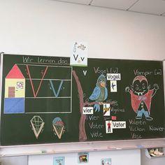 """Stef auf Instagram: """"Vv wie Vogel oder Vampir . 🐦🧛🐦🧛🐦🧛🐦🧛🐦🧛🐦🧛🐦🧛🐦 . . . . Mit dem neuen Buchstaben ging es heute direkt weiter. Wir haben fleißig den Klang…"""" Alphabet Activities, Thing 1, Teaching Kids, Diy And Crafts, German, Language, Classroom, Teacher, Letters"""