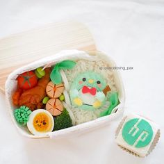 Tuxedo Sam Penguin Bento...& a HP cupcake..?