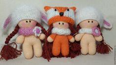 В данном посте вы найдете схему вязания крючком о писание игрушки - пупса Йо-йо в шапочке. Игрушки, связанные крючком, набирают все большую популярность среди мам и любителей handmade.