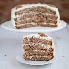 A hummingbird cake recipe with sugar and also a sugar-free diabetic hummingbird cake recipe. Sugar Free Desserts, Just Desserts, Delicious Desserts, Dessert Recipes, Bbq Desserts, Hummingbird Cake Recipes, Hummingbird Food, Diabetic Cake, Diabetic Foods