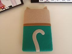 Back of 2.5mm thick felted cat Iphone...case