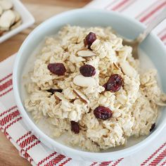 How to Make Basic Overnight Oats - Super Healthy Kids Basic Overnight Oats Recipe, Overnight Oatmeal, Healthy Food Options, Healthy Meals, Healthy Recipes, Super Healthy Kids, How To Eat Better, Oatmeal Recipes, Cheap Meals