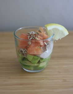 verrine_saumon_avocat2 Food Porn, Mexican, Healthy Recipes, Ethnic Recipes, Health And Wellness, Dressing, Barcelona, Fruits And Veggies, Healthy Food Recipes
