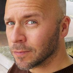 Derek Sivers: Writer, entrepreneur, avid student of life. I make useful things, and share what I learn. (Dude created CD Baby in 1998 and sold it for $22 million. And he's an INTJ!)