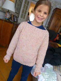 A soft sweater accessible to any beginner knitter. Benefit for the recipient child of this model: no need to . Knitting For Kids, Baby Knitting, Tricot Baby, Knitting Patterns, Women, Diy Couture, Pulls, Cardigans, Fashion