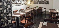Yamike es uno de esos locales que tienen vida propia, que se adapta a las necesidades de los clientes y que además es un reflejo de la esencia de Bilbao. Un espacio versátil, diferente y multifuncional en el que se funden las técnicas tradicionales de la comida vasca con las nuevas tendencias vanguardistas. Bilbao, Conference Room, Table, Furniture, Home Decor, New Trends, Restaurants, Homemade, Space