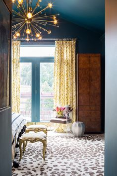 Tour a Vintage Meets Modern Chicago Home Designed by Studio Sven Unexpected Pops of Color and Vintage Treasures Complete This Eclectic Design, Interior Design, Eclectic Style, Eclectic Kitchen, Eclectic Decor, Room Ideas Bedroom, Bedroom Decor, Decor Room, Design Bedroom