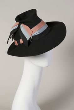 Late 1930s-early 1940s, America - Black felt hat with blue, pink and black grosgrain band