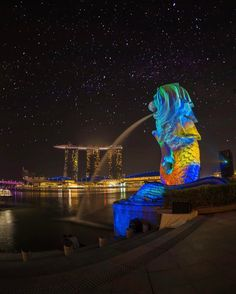 These Top 10 Long Exposure Photography Will Make You See The Unseen ! Visit Singapore, Singapore Travel, Amazing Architecture, Art And Architecture, Exposure Photography, Travel Photography, Merlion Singapore, Places To Travel, Places To Visit
