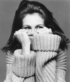 Julia Roberts: The kind of energy I attract is very calm. Beauty Photography, Portrait Photography, Fashion Photography, Julia Roberts, Poses For Photos, Celebrity Babies, Black And White Photography, Photo Sessions, Pretty Woman