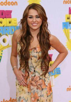 I love her hair:)