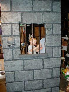 Dungeon Walls - How To halloween dyi Halloween Depot, Halloween Graveyard, Pirate Halloween, Halloween Haunted Houses, Halloween 2019, Holidays Halloween, Scary Halloween, Halloween Crafts, Haunted Garage