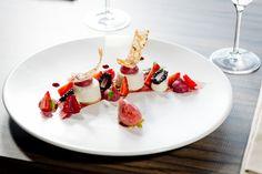 Collection Eté 2016 Déclinaison de baies rouges à l'anis, blanc-manger. à la vanille de Bora Bora, sorbet Mara des Bois.