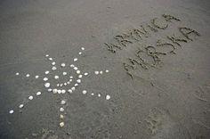 ślady na plaży http://www.krynicamorska.pw