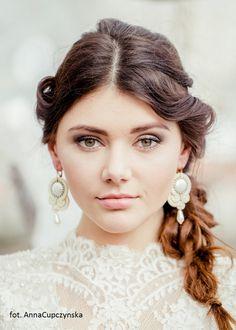 Ślub - biżuteria-Sutaszowe kolczyki ecru