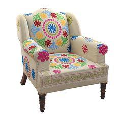 ¿Buscas un dormitorio folk?   Mira esta original butaca: http://www.mujeresreales.es/hogar/fotos/las-claves-de-un-dormitorio-estilo-folk/sillonfolk