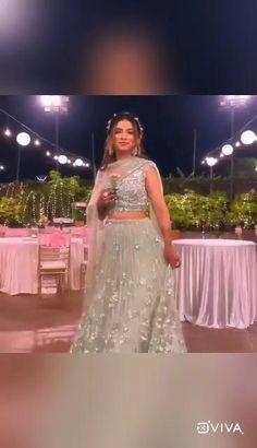 Asian Wedding Dress, Indian Wedding Outfits, Bridal Outfits, Bridal Dresses, Indian Gowns Dresses, Indian Fashion Dresses, Dress Indian Style, Pakistani Bridal Wear, Bridal Lehenga