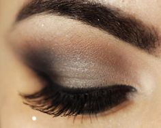 Make up for blue eyes | Smokey prom makeup 2014 for blue eyes with false lashes