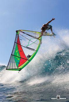 Ezzy Sails windsurf wave