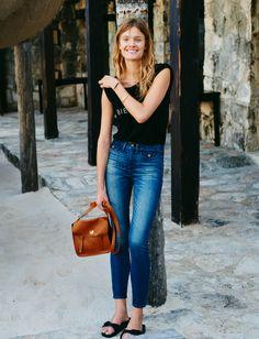 madewell high riser skinny skinny crop jeans worn with the bien fait tee + watertower messenger bag.