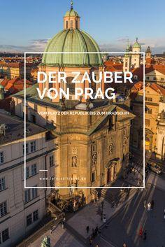 In diesem Artikel laufe ich mit dir vom Platz der Republik bis zum Hradschin hoch bis zur Prager Burg. Dabei zeige ich dir einige der schönsten Straßen der goldenen Stadt. Lust? Dann los!
