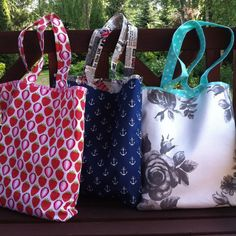 Here there are: new reversible bags from Hola Lotta. This is how do they look from one side…   fabricbag #Reversible #Carryall Bag, #twosidedbag