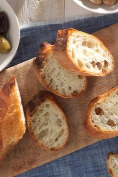 King Arthur Flour's French-Style Baguettes Recipe ***this recipe does not use the poolish which needs to sit for 12-24 hrs. Should try thiis one to see the different *** ***This one is similar to the VN baggette recipe ***