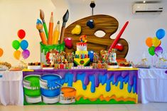 Amazing Artist theme - the party theme for parents that want interaction & creativity for their childrens party. In this party theme the kids can explore their artistic side! School Decorations, Birthday Decorations, Art Party Decorations, Easter Crafts For Kids, Diy For Kids, Art Themed Party, Paint Themes, Art N Craft, Art Birthday