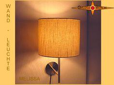 Wandleuchte MELISSA Ø 25 cm Leinen hell natur. Wandleuchte MELISSA, D 25 cm, zeigt sich hier mit naturbelassenem, groben Leinen mit Licht. Natürlich und elegant.