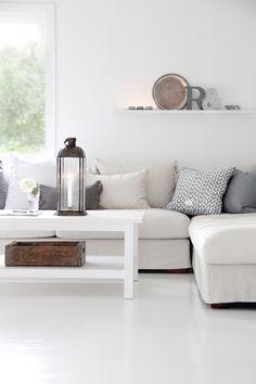 Salón blanco y gris