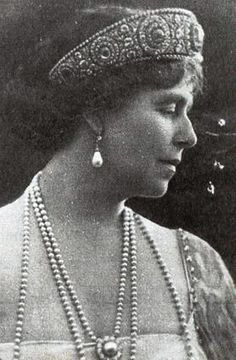 Queen Marie of Romania Romanian Royal Family, Princess Alexandra, Princess Victoria, Queen Victoria, Royal Jewelry, Save The Queen, Blue Bloods, Royal House, Kaiser