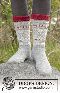 Narvik Socks - Knitted socks with multi-coloured Norwegian pattern. Sizes The piece is worked in DROPS Karisma. - Free pattern by DROPS Design Knitting Kits, Knitting Socks, Knitting Patterns Free, Free Knitting, Knitting Projects, Crochet Patterns, Narvik, Drops Design, Drops Karisma