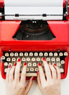 Vintage red typewriter for simple red nails My Favorite Color, My Favorite Things, Retro, I See Red, Simply Red, Vintage Typewriters, Red Aesthetic, Shades Of Red, Red Nails