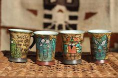 tazas dibujadas y pintadas a mano...  arcilla,oxido de cobre,engobe diuj0os a mano,pintura a mano