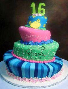 #SQ009 #SweetSixteen #Quinces #EddasCakes #EddasCakeDesigns #Eddas - http://eddascakedesigns.com