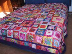 https://flic.kr/p/9MDbLL | Brezze di primavera | C'è molto vento e le foto di ieri lo dimostrano. Ne ho fatto un'altra nella sua giusta sede. Kaffe Fasset fabric.Queen size bed quilt.