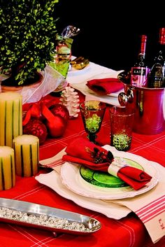#Christmas #Holiday #Decorating #Tablescapes #Deck the Halls