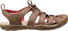 The Clearwater Leather can do it all. Lightweight and low profile this sandal looks great with shorts, capris or a skirt without sacrificing fit or performance. Signature KEEN toe protection, contoure