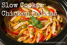 Slow Cooker Chicken Fajitas - 21 Day Fix Recipes - Clean Eating Recipes Healthy Recipes - Dinner - Lunch  weight loss - 21 Day Fix Meals - crockpot - www.simplecleanfitness.com