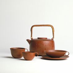 Lucie Rie -  teapot and jug, earthenware , Vienna, about 1936